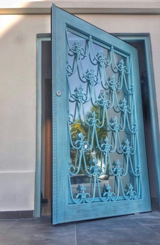 Puertas y ventanas ornamentales