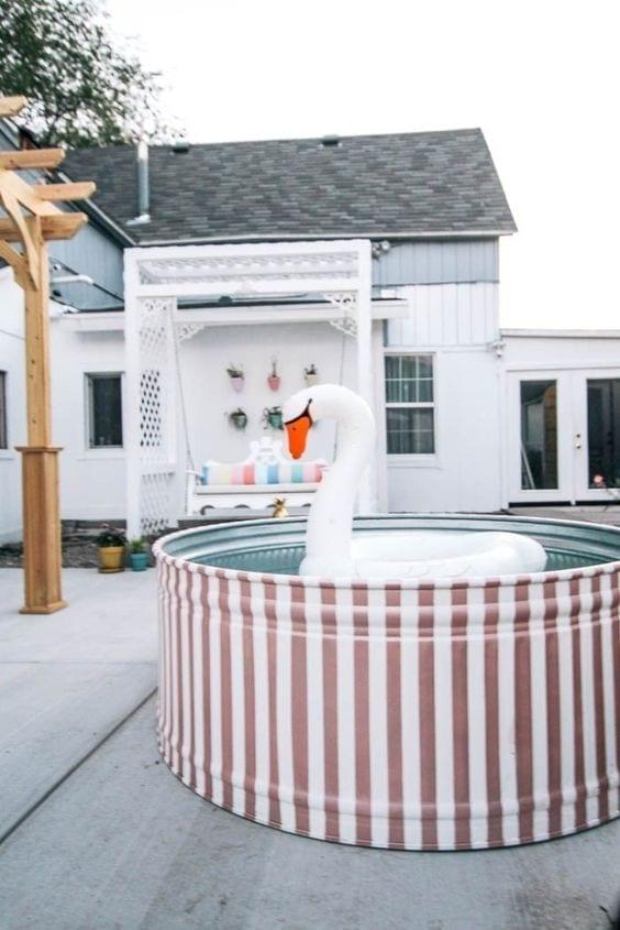 cómo pintar una stock tank pool o piscina de tanque
