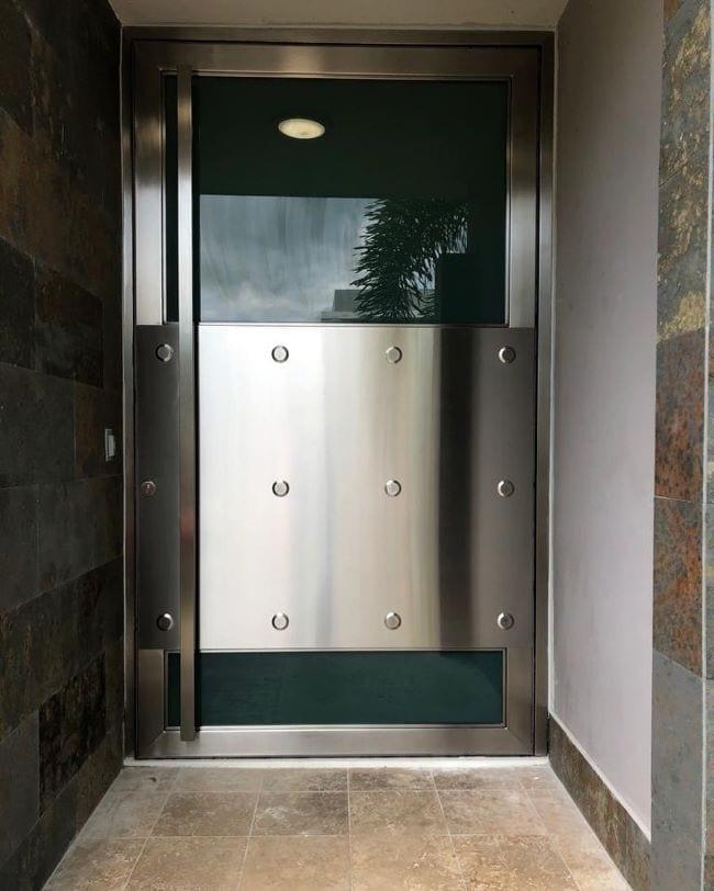puerta pivote en stainless steel